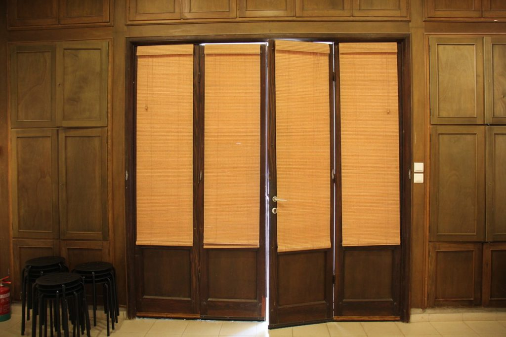 דלתות במוזיאון וילפריד קיבוץ הזורע
