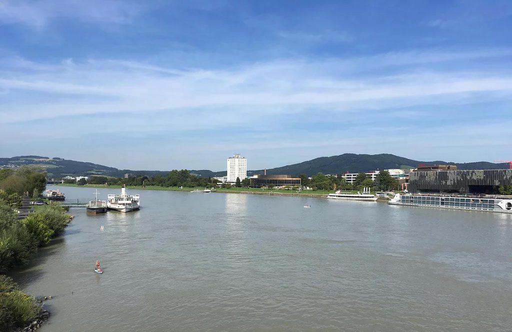 נהר הדנובה חוצה את לינץ