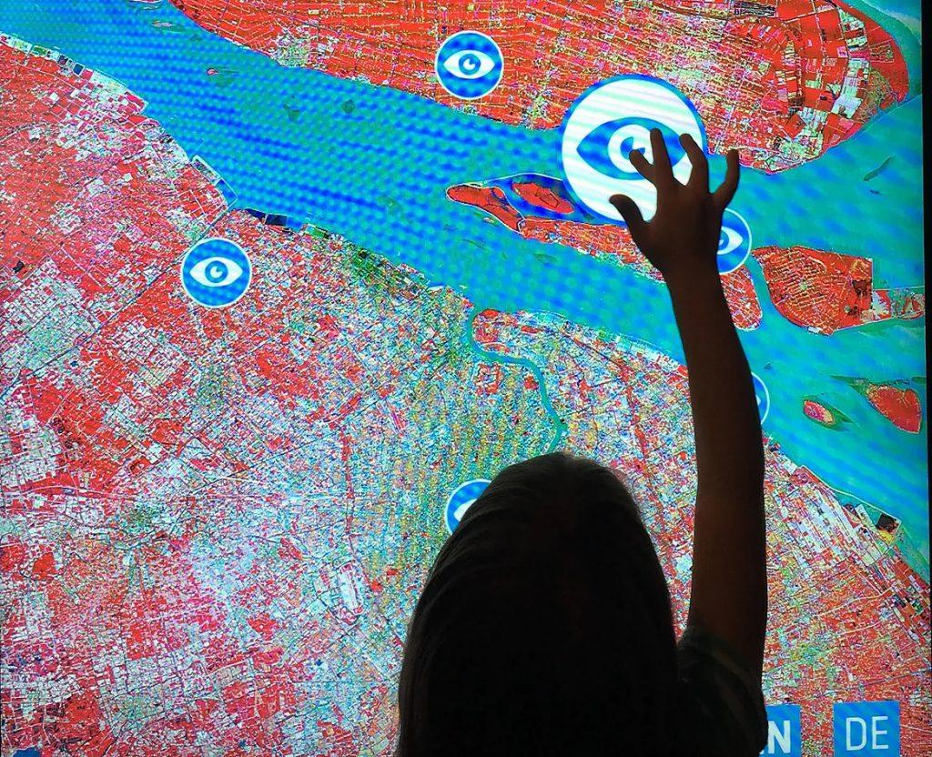 מפה אינטראקטיבית במוזיאון ARS בלינץ