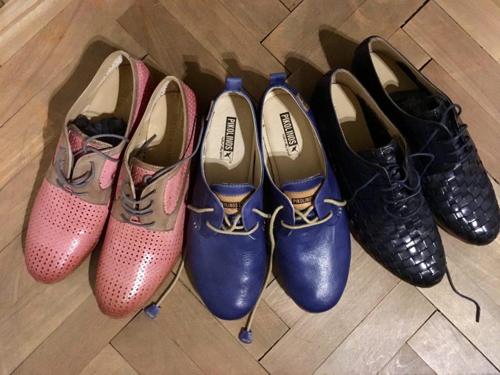 נעליים יפות צבעוניות בפראג