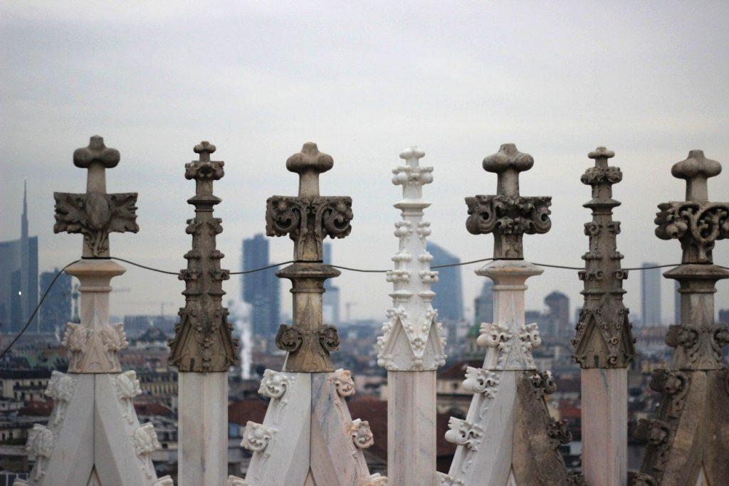 על גג הדואומו במילאנו