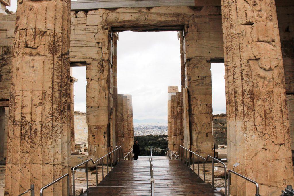 אקרופוליס באתונה- מבט מהכניסה למטה