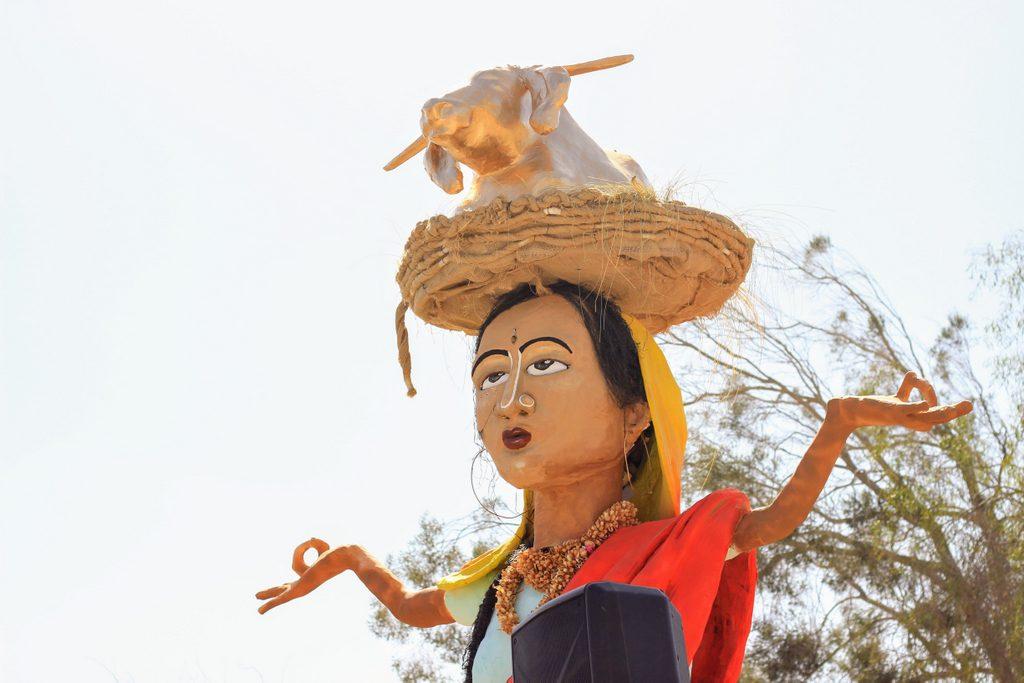 דמות-אישה-הודית