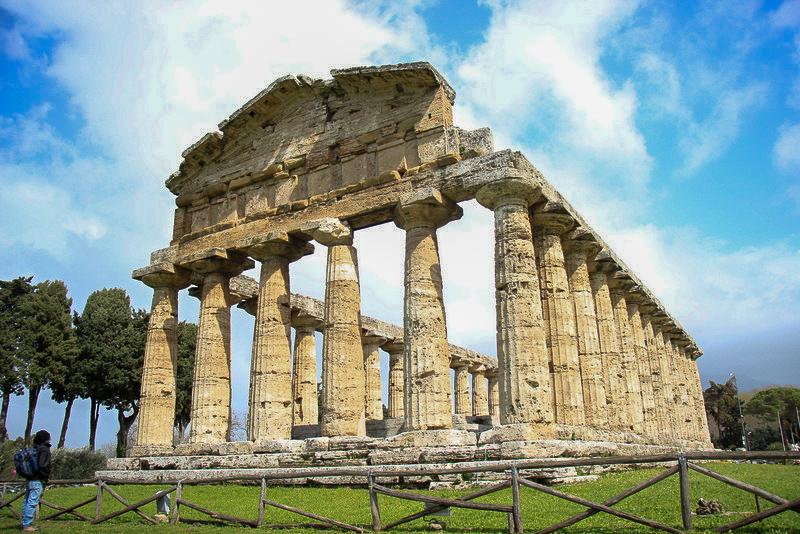 מקדש בפאסטום