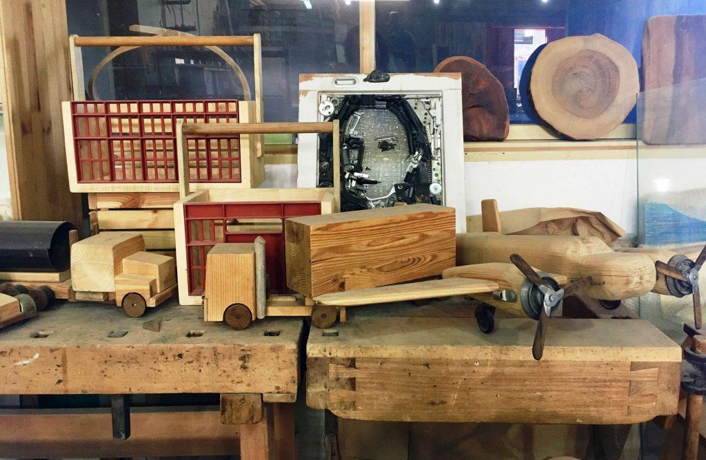חפצים מעץ ממוחזר